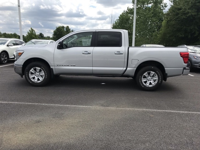 2019 Titan Crew Cab 4x4, Pickup #U525877 - photo 7