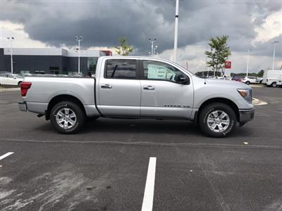 2019 Titan Crew Cab 4x4, Pickup #U525877 - photo 5