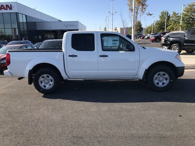 2019 Frontier Crew Cab 4x4, Pickup #U776085 - photo 3