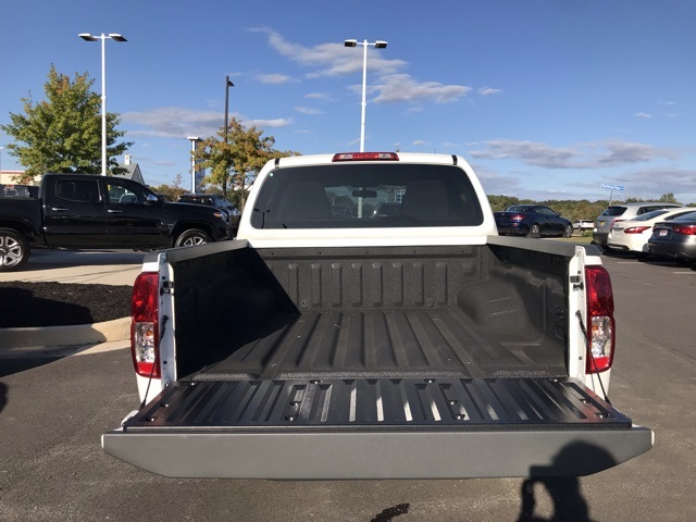 2019 Frontier Crew Cab 4x4, Pickup #U776085 - photo 2