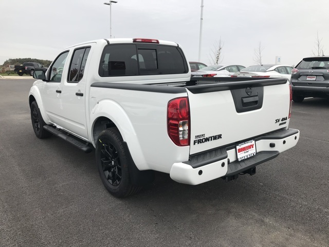 2019 Frontier Crew Cab 4x4, Pickup #U796826 - photo 1