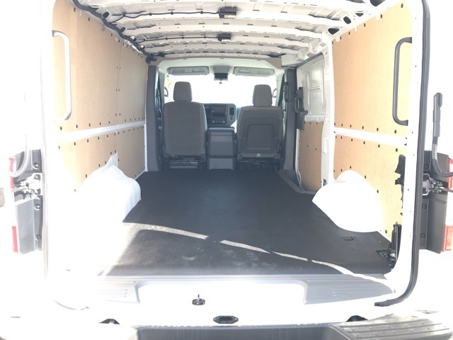 2019 NV2500 Standard Roof 4x2, Empty Cargo Van #U808265 - photo 1