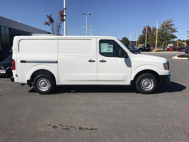 2020 Nissan NV2500 Standard Roof 4x2, Empty Cargo Van #U809577 - photo 3