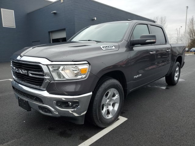2019 Ram 1500 Crew Cab 4x4, Pickup #UR3407 - photo 4