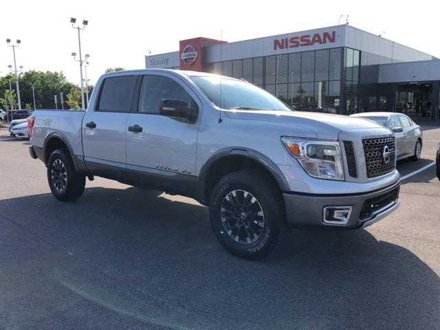 2019 Titan Crew Cab 4x4, Pickup #UR3520 - photo 1