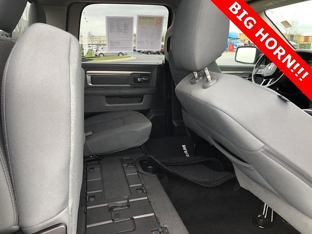 2016 Ram 1500 Crew Cab 4x4, Pickup #UZ3849 - photo 17