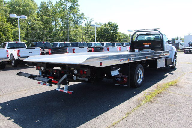 2021 Ford F-650 Regular Cab DRW 4x2, Jerr-Dan Rollback Body #21J011 - photo 1
