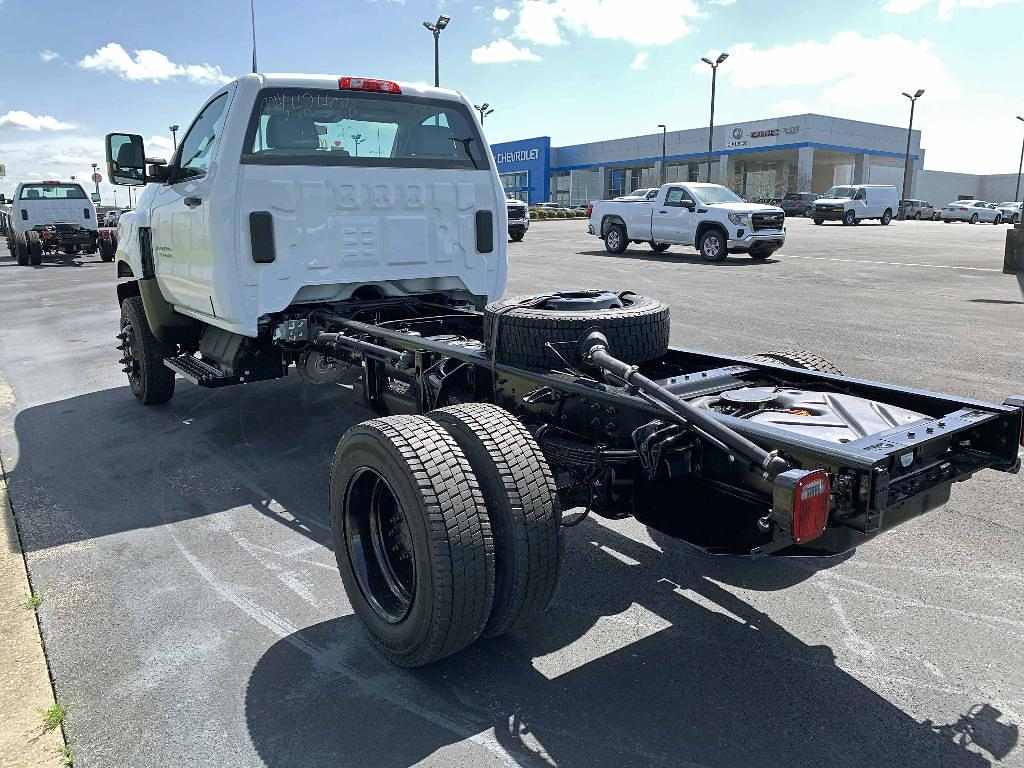 2021 Chevrolet Silverado 4500 Regular Cab DRW 4x4, Cab Chassis #F0201 - photo 2