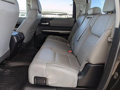2017 Toyota Tundra Crew Cab 4x4, Pickup #HX589855 - photo 16
