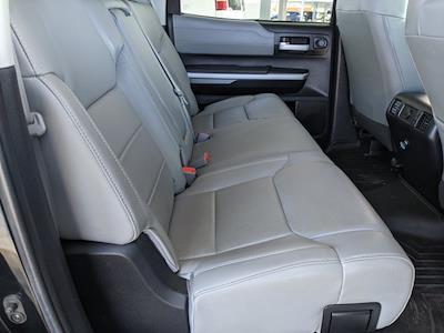2017 Toyota Tundra Crew Cab 4x4, Pickup #HX589855 - photo 17