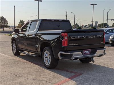 2019 Chevrolet Silverado 1500 Crew Cab 4x4, Pickup #KG231499 - photo 2