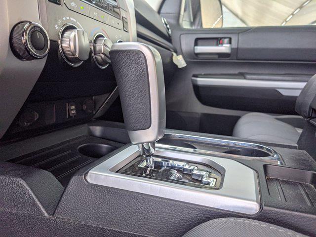 2019 Toyota Tundra Crew Cab 4x4, Pickup #KX834271 - photo 10