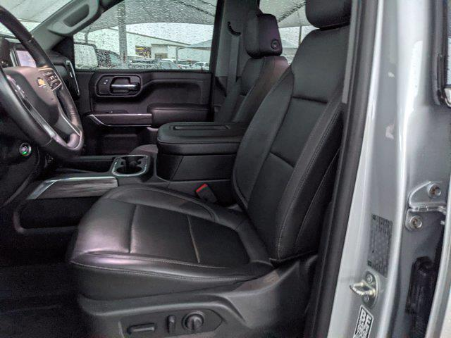 2019 Chevrolet Silverado 1500 Crew Cab 4x4, Pickup #KZ112632 - photo 15