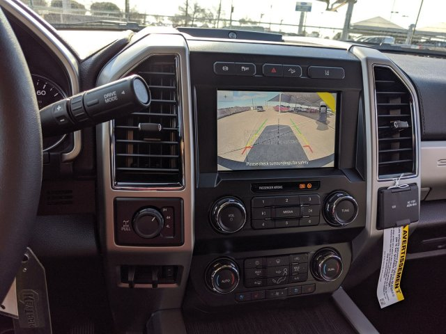 2020 Ford F-250 Crew Cab 4x4, Pickup #LEC87058 - photo 14