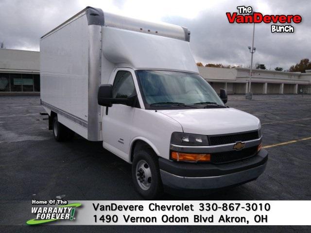 2020 Chevrolet Express 4500 DRW 4x2, Supreme Cutaway Van #C00352 - photo 1