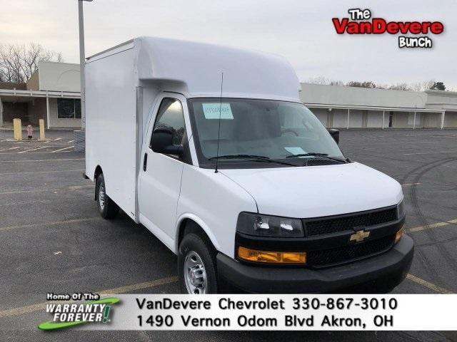 2019 Chevrolet Express 3500 4x2, Supreme Cutaway Van #C90688 - photo 1