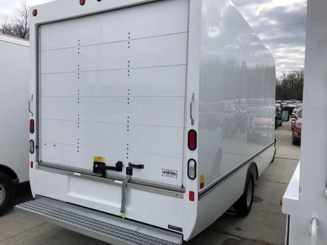 2019 Chevrolet Express 3500 4x2, Unicell Cutaway Van #C90710 - photo 1