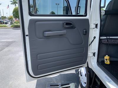2021 Chevrolet LCF 4500 4x2, Premier Truck Center Landscape Dump #1F202457 - photo 5