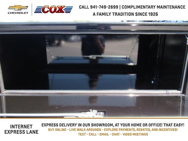2019 Silverado 5500 Crew Cab DRW 4x4, Knapheide Concrete Concrete Body #9T160291 - photo 18