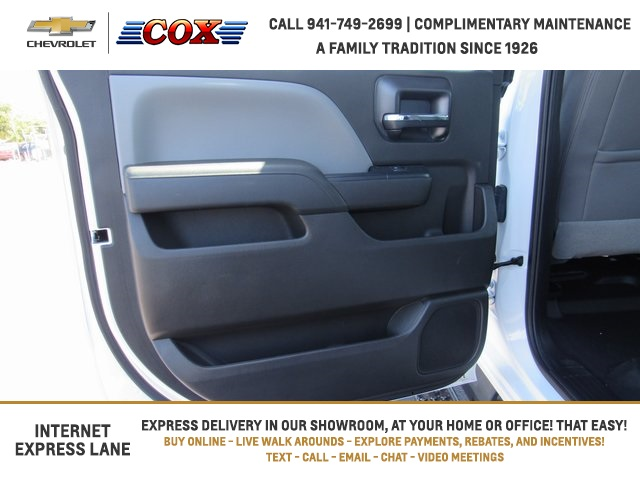 2019 Silverado 5500 Crew Cab DRW 4x4, Knapheide Concrete Concrete Body #9T160291 - photo 7