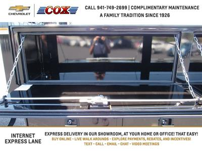 2019 Silverado 5500 Crew Cab DRW 4x4, Knapheide Concrete Concrete Body #9T160291 - photo 11