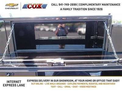 2019 Silverado 5500 Crew Cab DRW 4x4, Knapheide Concrete Concrete Body #9T160291 - photo 12