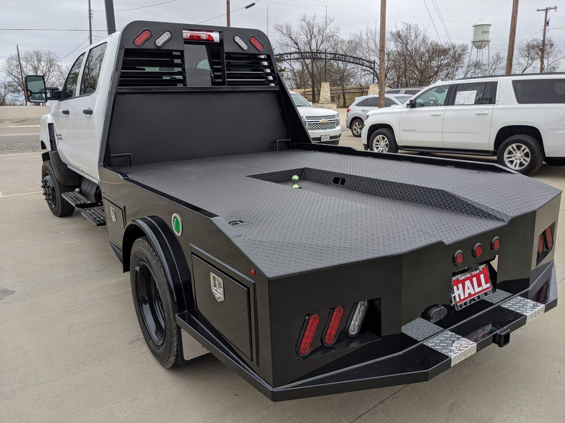 "2020 Silverado Medium Duty Crew Cab DRW 4x4, 9' 6"" CUSTOM HAULER BED  #C20027 - photo 4"