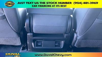 2020 Chevrolet Silverado 1500 Crew Cab 4x2, Pickup #PLG155245 - photo 24