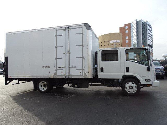 2018 LCF 5500HD Crew Cab 4x2, Supreme Signature Van Dry Freight #B25889 - photo 3