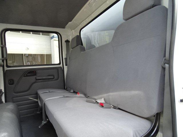 2018 LCF 5500HD Crew Cab 4x2, Bay Bridge Sheet and Post Cutaway Van #B26104 - photo 18