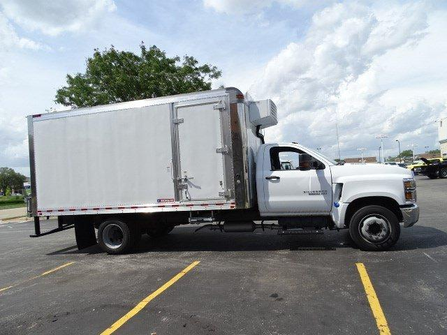2019 Silverado Medium Duty Regular Cab DRW 4x2,  Morgan Cold Star Refrigerated Body #B26652 - photo 3