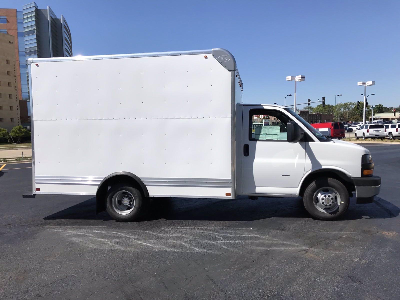 2020 Chevrolet Express 3500 RWD, Bay Bridge Classic Cutaway Van #B27602 - photo 3