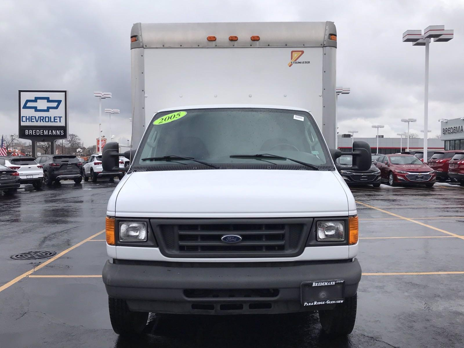2005 Ford E-350 4x2, Cutaway #B27640A - photo 19