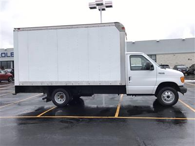 2005 Ford E-350 4x2, Cutaway #B27640A - photo 2