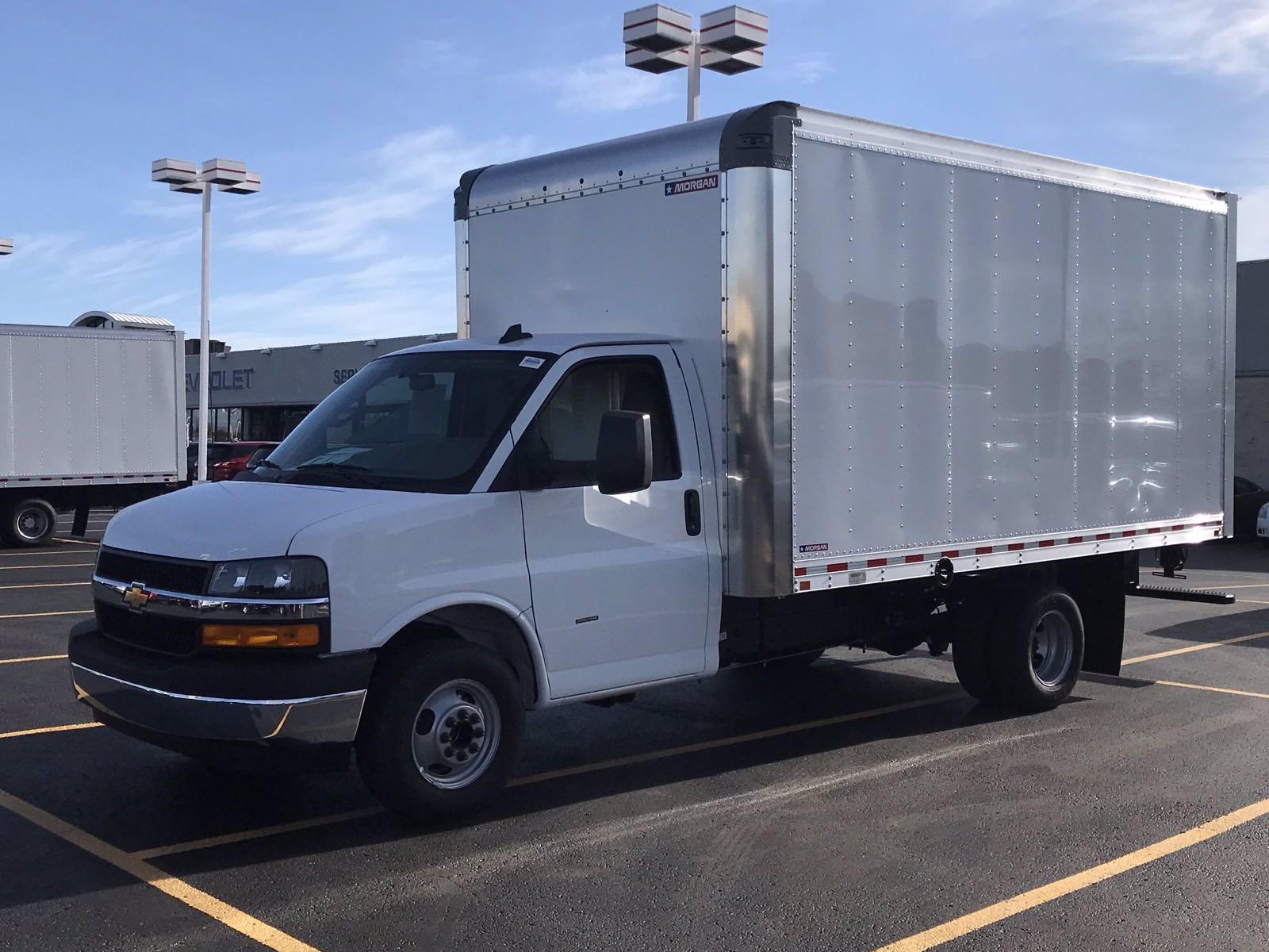 2020 Chevrolet Express 3500 4x2, Morgan Parcel Aluminum Cutaway Van #B27758 - photo 5