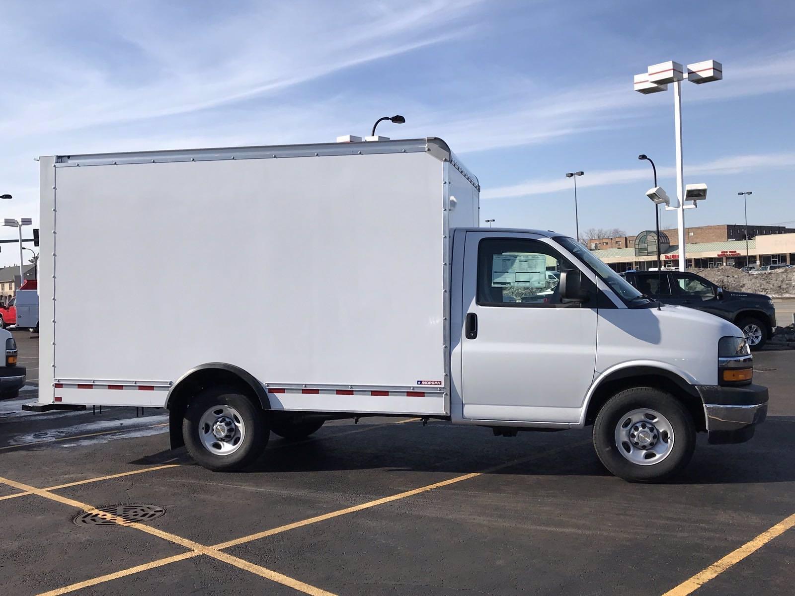 2021 Chevrolet Express 3500 4x2, Cutaway #B27920 - photo 1