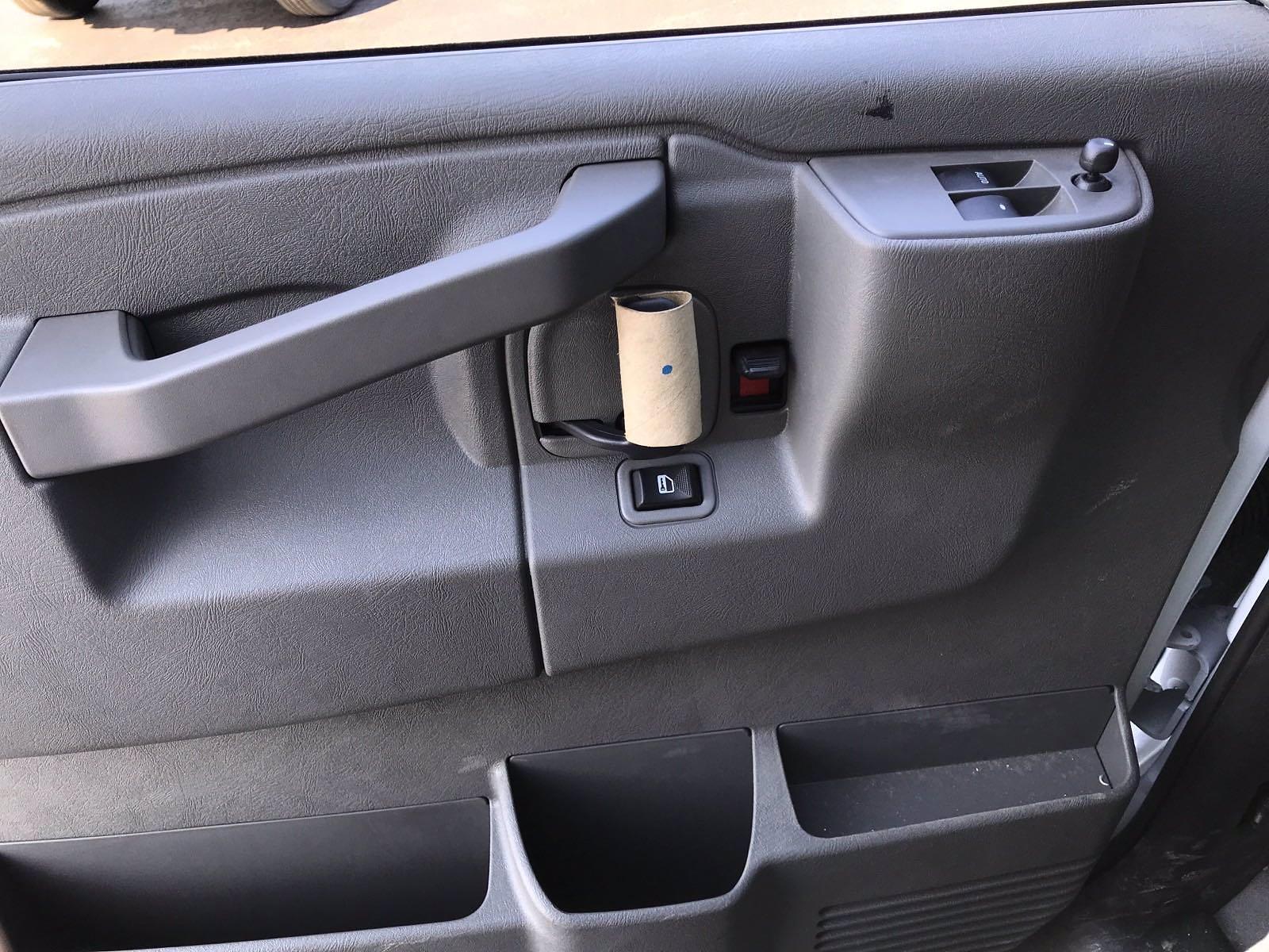 2021 Chevrolet Express 3500 4x2, Morgan Cutaway Van #B27950 - photo 12