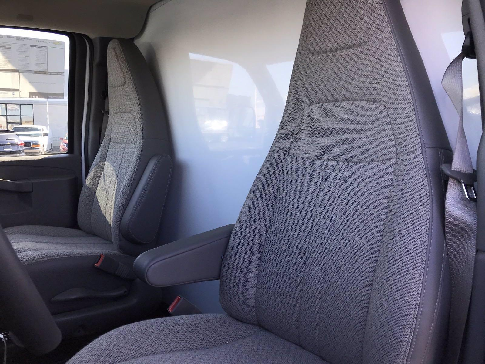 2021 Chevrolet Express 3500 4x2, Morgan Cutaway Van #B27950 - photo 14