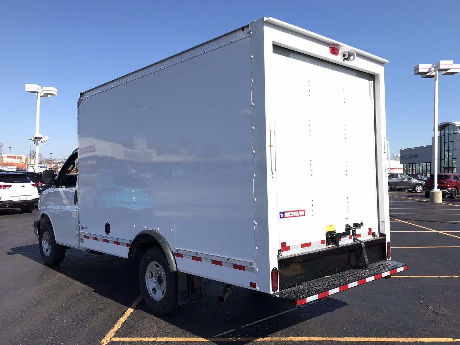 2021 Chevrolet Express 3500 4x2, Morgan Cutaway Van #B27950 - photo 4