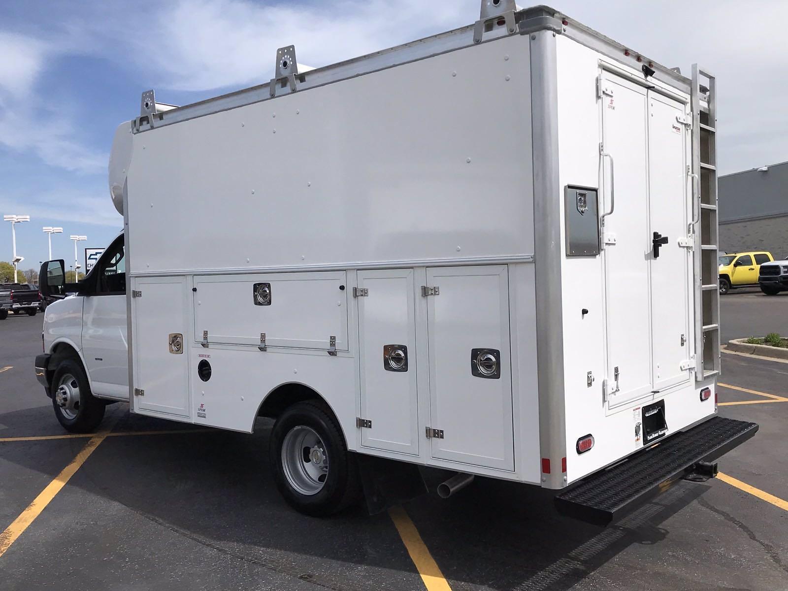 2021 Chevrolet Express 3500 4x2, Supreme Spartan Cargo Cutaway Van #B27961 - photo 4