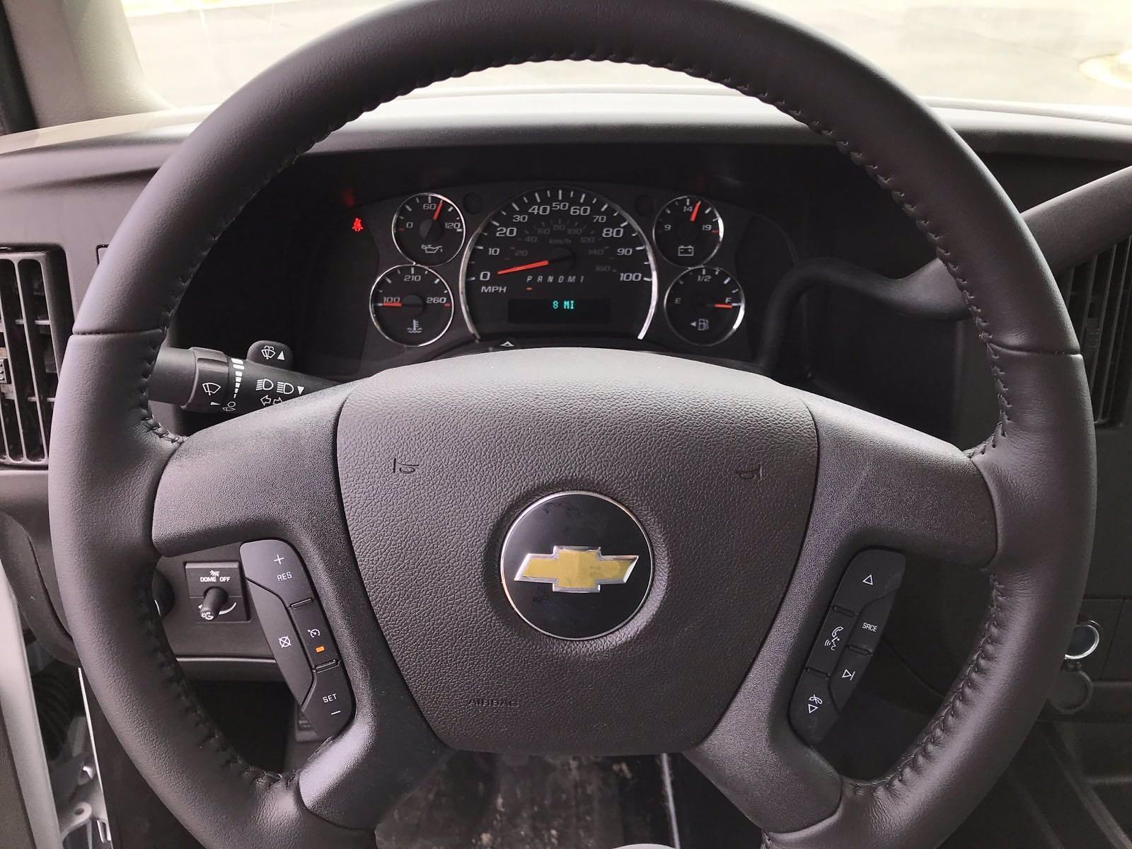 2021 Chevrolet Express 3500 4x2, Morgan Cutaway Van #B27973 - photo 11