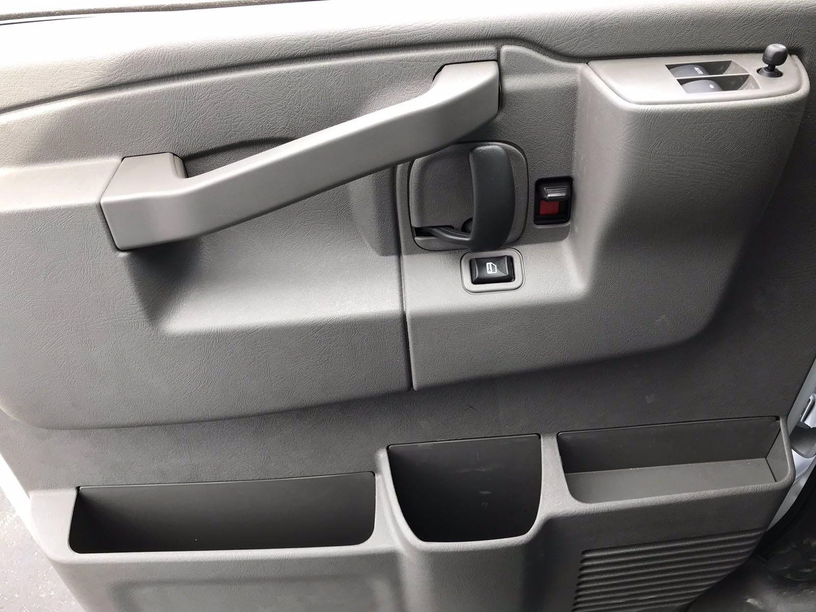 2021 Chevrolet Express 3500 4x2, Morgan Cutaway Van #B27973 - photo 12