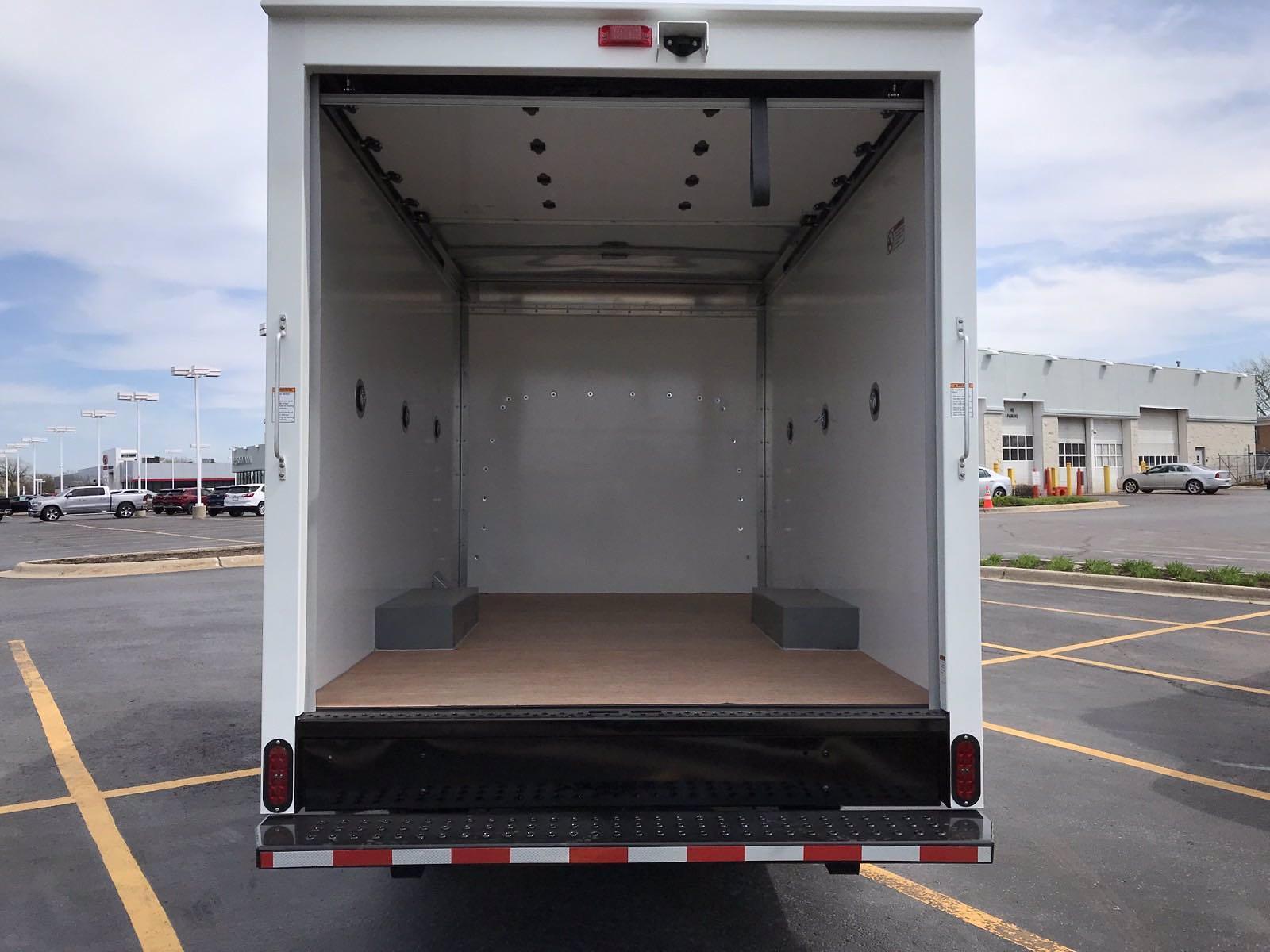 2021 Chevrolet Express 3500 4x2, Morgan Cutaway Van #B27973 - photo 15