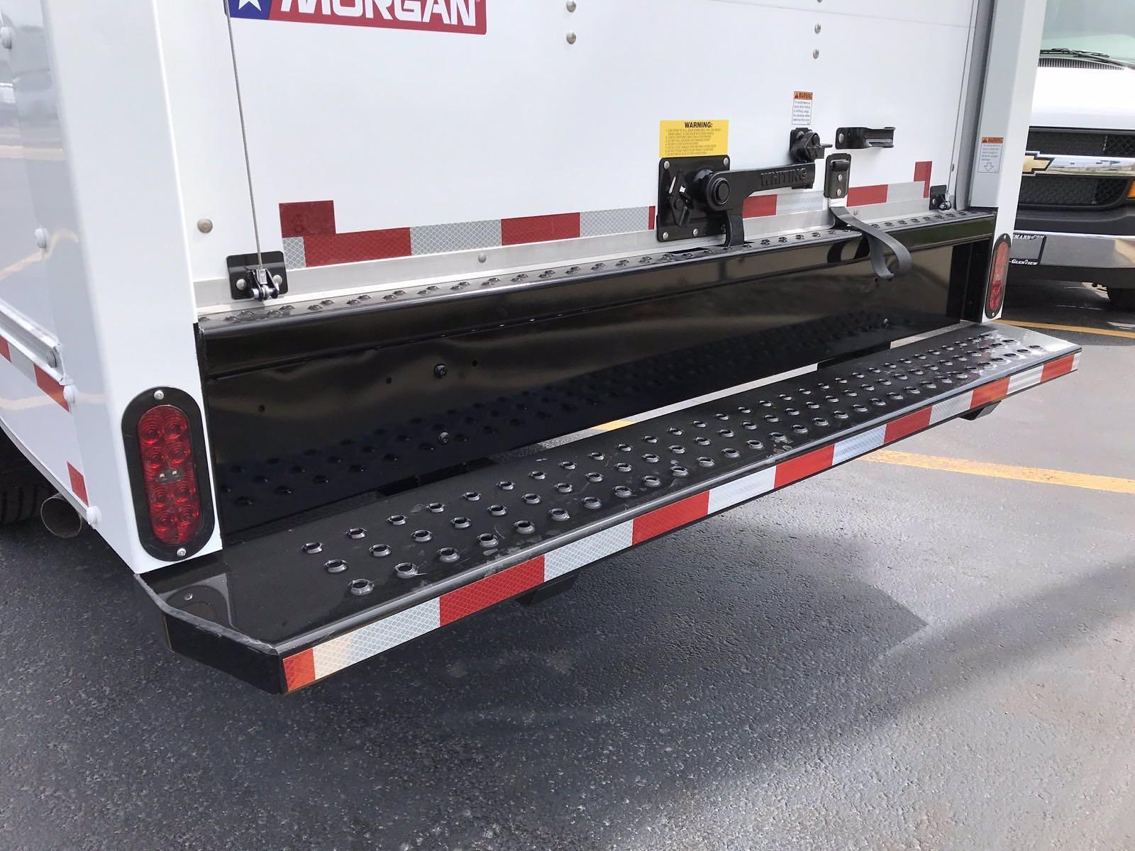 2021 Chevrolet Express 3500 4x2, Morgan Cutaway Van #B27973 - photo 17
