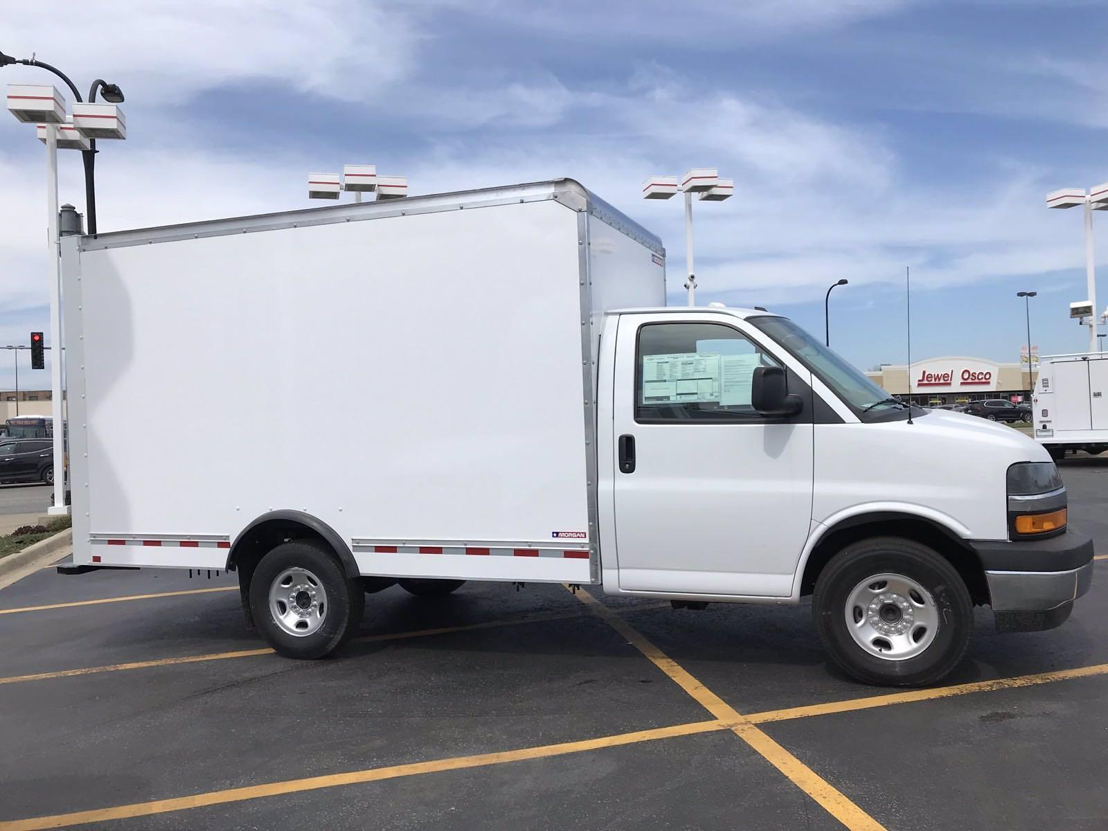 2021 Chevrolet Express 3500 4x2, Morgan Cutaway Van #B27973 - photo 3