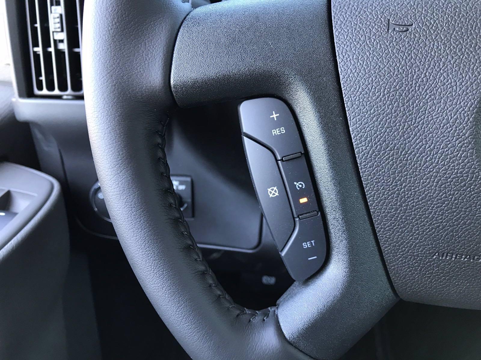 2021 Chevrolet Express 3500 4x2, Cutaway Van #B28009 - photo 8