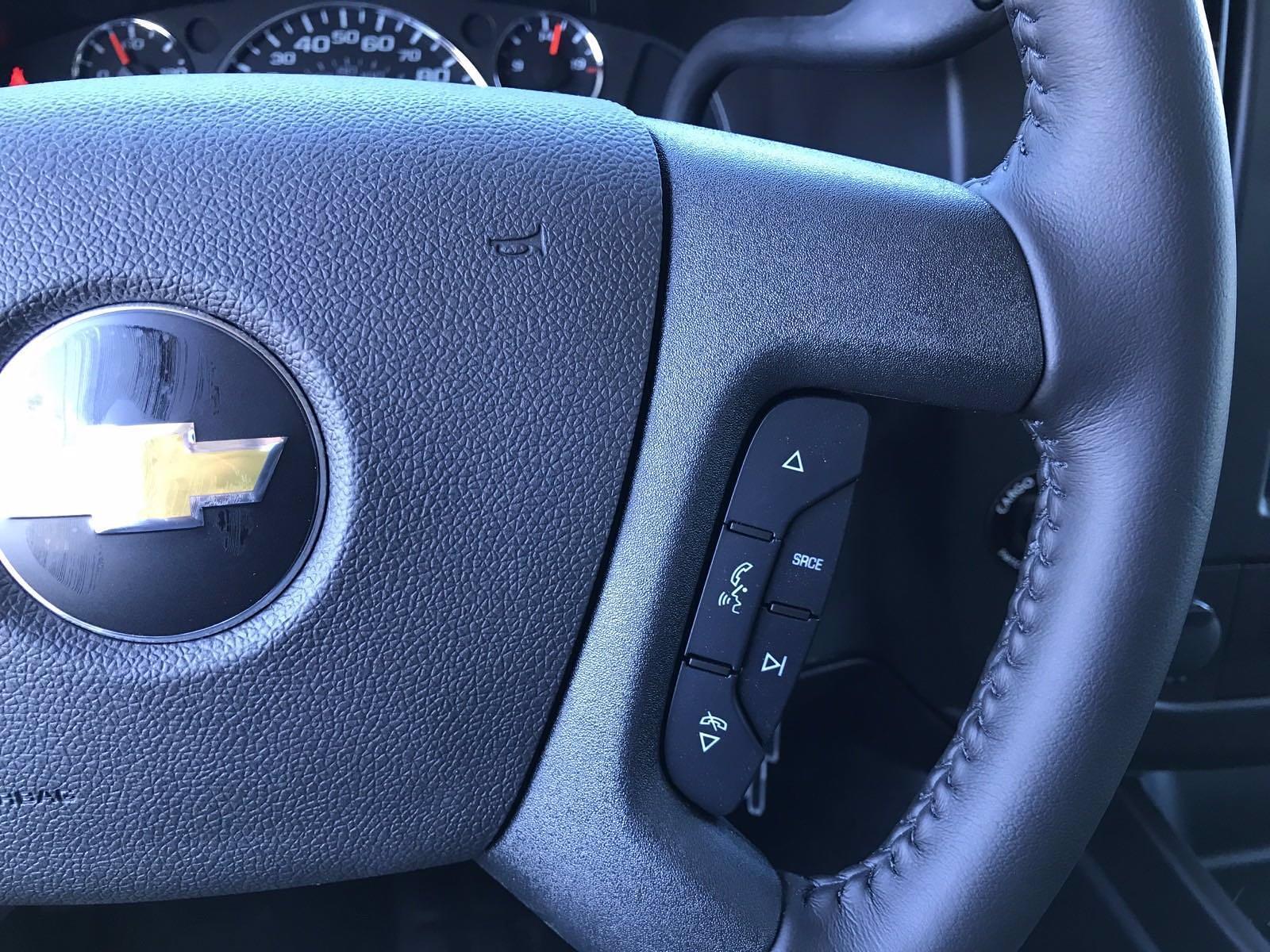 2021 Chevrolet Express 3500 4x2, Cutaway Van #B28009 - photo 9