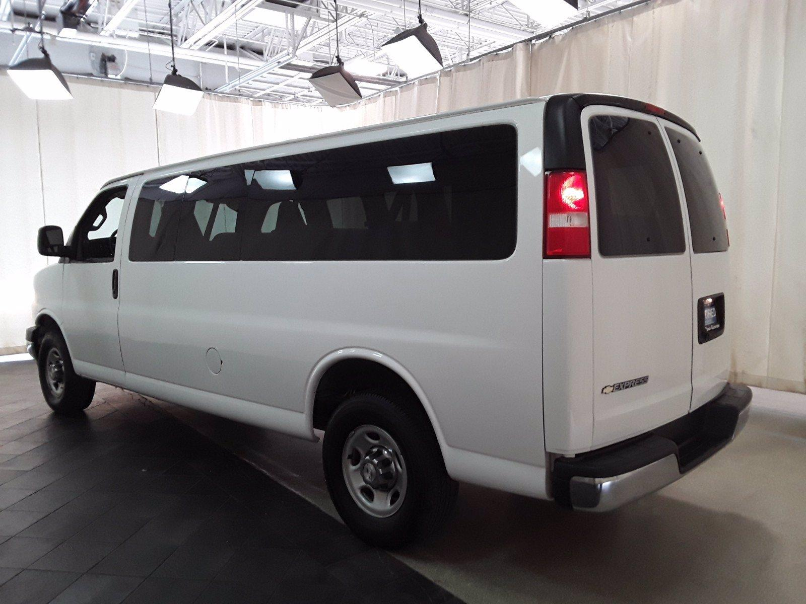 2018 Chevrolet Express 3500 RWD, Passenger Wagon #BP7522 - photo 4
