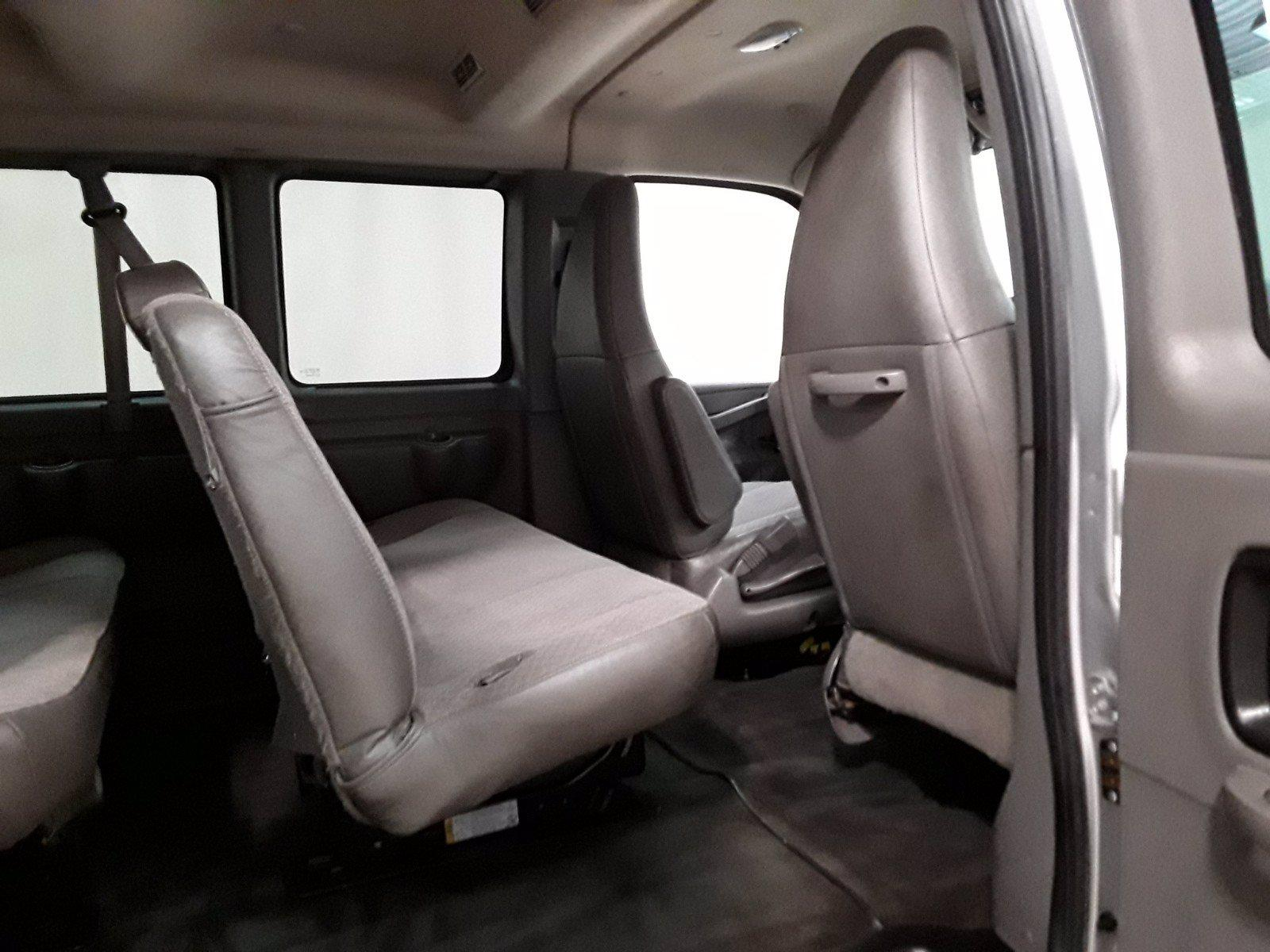 2018 Chevrolet Express 3500 RWD, Passenger Wagon #BP7528 - photo 17