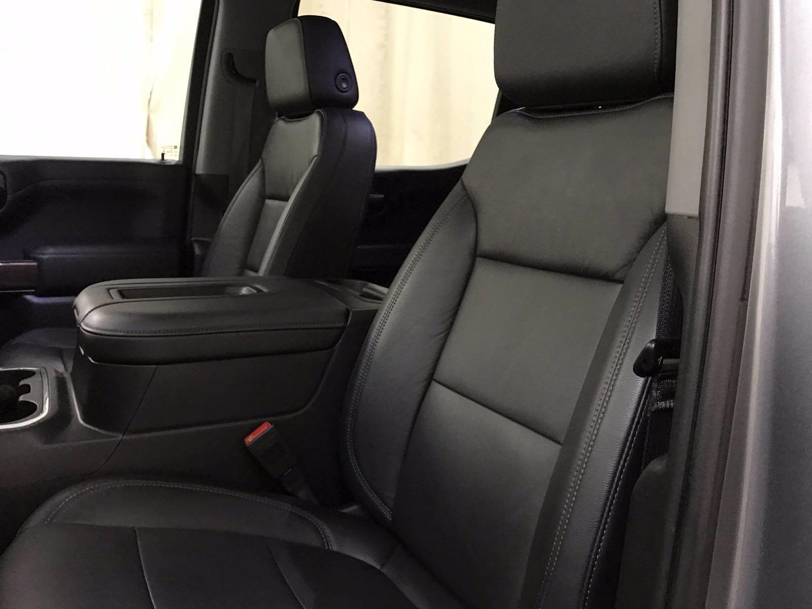 2020 Chevrolet Silverado 1500 Crew Cab 4x4, Pickup #BP7711A - photo 17